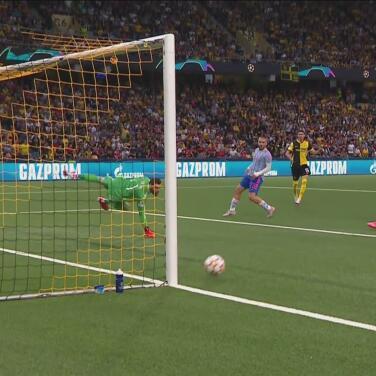 ¡Se perdió el empate! Fassnacht se queda a nada del gol de Young Boys