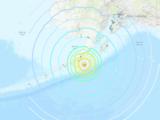 Un terremoto de magnitud 8.2 sacudió la costa de Alaska y generó alerta de tsunami