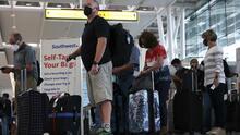 ¿Qué reglas actualizó la administración Biden para permitir el ingreso de turistas a EEUU?