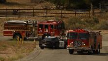 Una casa incendiada, un bombero muerto y otro herido: esto es lo que se sabe del tiroteo en el sur de California