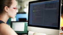 ¿Cuáles son los beneficios y requisitos para obtener cargos en gestión de productos?