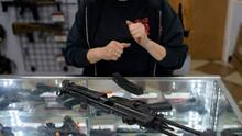 Crece debate sobre la nueva ley que permite portar armas sin licencia ni entrenamiento en Texas