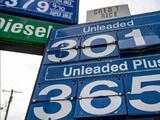 ¿Tomarás la carretera para 'Memorial Day'? El galón de gasolina promedia $3 en el país (y sobre $4 en California)