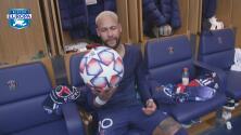 ¡Souvenir especial! Neymar se llevó el balón del hat-trick
