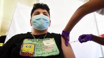 Padres de familia reaccionan al mandato estatal de vacunación para estudiantes en California