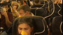 Video: Los tensos momentos después de que un avión cayera 26,000 pies en menos de siete minutos