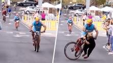 (Video) Ciclista termina gravemente herido por una mujer que se atravesó cuando estaba a punto de llegar a la meta