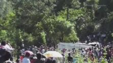 Camión cae por un barranco en Guatemala