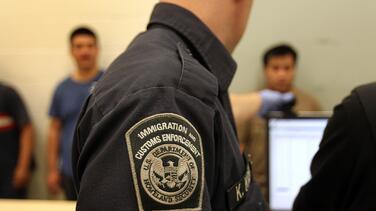 Leve baja en número de detenidos en cárceles de ICE y la mayoría no es prioridad de deportación