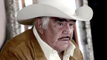 Vicente Fernández Jr confirma que su padre tiene Guillain-Barré, pero asegura que nada tiene que ver con la caída