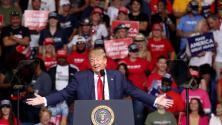 Las alarmantes cifras de contagio que no parecen perturbar a Trump