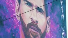 Este enorme mural de Lionel Messi emociona a los habitantes de su ciudad natal