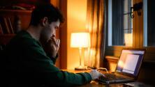 Conoce algunos de los beneficios del aprendizaje en línea que ofrece la CUNY