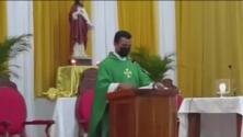 La labor de un sacerdote de Honduras que brinda albergue y compresión a migrantes haitianos con necesidades