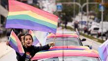 """""""No es necesario estar con un hombre para descubrirte"""": rompiendo tabúes sobre lesbianas en el mes del orgullo LGBTQ+"""