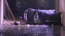 Una persona hospitalizada y un auto volcado, lo que deja una persecución vehicular en Azusa: esto fue lo que pasó
