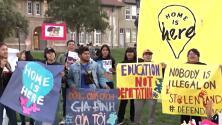 Estudiantes marchan para pedirle a la Corte Suprema de Estados Unidos que proteja DACA