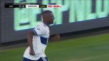 Colombiano Déiber Caicedo aprovecha un mal despeje y marca el 1-0 de Vancouver