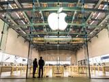 Apuñalan a un vigilante de una tienda de Apple por exigir uso de mascarilla