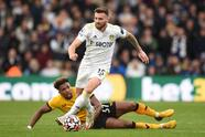 Rodrigo Moreno no desaprovecha el penal que le regalaron al inuti 90+4 y hace que el Leeds United y el Wolverhampton empaten 1-1 y dividan los puntos.