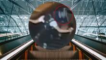 Un hombre patea y tira por escalera mecánica a una mujer en el subway de Brooklyn