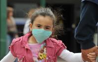 Mascarillas y las pruebas pueden ayudar a prevenir las infecciones de covid-19 en niños, según estudio
