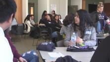 Cientos de estudiantes buscan guiar a las familias hispanas en el Censo y en las elecciones de 2020