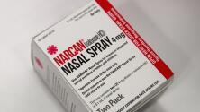 Condado de Cook equipa con Narcan a oficiales para combatir la crisis de los opioides