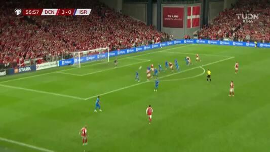 Dinamarca ya golea a Israel... Delaney puso el 4-0 en táctica fija