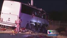 Accidente de autobús deja cinco personas muertas