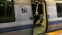 Mujer que murió en el BART llevaba a su perro atado a la cintura y fue arrastrada por el tren