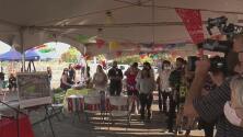 """""""Me da mucha alegría que tomen en cuenta a los hispanos"""", así recibieron vendedores de comida el arranque de la construcción de Mitote Food Park"""