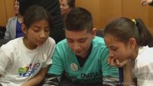 Madres y niños se reúnen para pedir detener las deportaciones