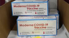 Japón pausa vacunación con un lote de Moderna tras encontrar partículas extrañas en un vial
