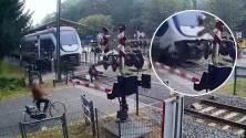 """""""Un milagro de Dios"""": Video muestra momento en que mujer se salva de ser atropellada por un tren"""