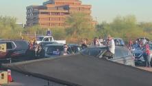 Kamala Harris visita Arizona en un evento con distanciamiento social a pocos días de las elecciones
