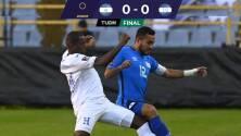 Sin luz y sin gol: El Salvador y Honduras se anulan en el Cuscatlán