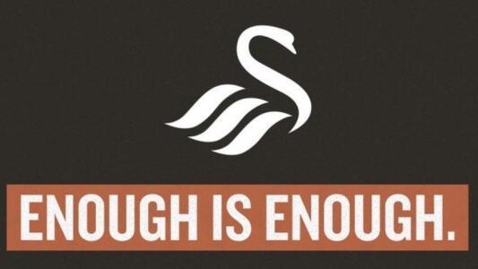 ¡Dura medida! Swansea deja redes sociales por ataques racistas