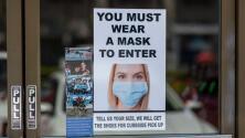 ¿Están cumpliendo los negocios en Chicago con la orden que los obliga a exigir la mascarilla a clientes?