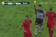 Encontronazo y Paul Aguilar ve la tarjeta amarilla ante León