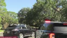 Equipo SWAT intervine en escena activa de sospechoso atrincherado en su residencia al sureste de Austin