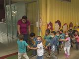 Necesitan ayuda para seguir cuidando a niños mientras sus padres trabajan