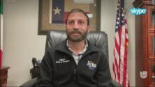 Alcalde se defiende de críticas tras afirmar no tener los recursos para recibir a migrantes