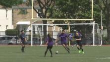Con partido de fútbol, policía de Chicago y comunidad fortalecen lazos de confianza