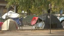 Decenas de desamparados de Sacramento consiguen vivienda permanente