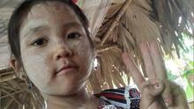 """""""Se despierta llorando"""": niña de 5 años es arrestada y torturada por la lucha prodemocracia de su padre"""