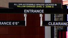 Roban y agreden físicamente a una mujer en el estacionamiento del centro comercial The Galleria, Houston