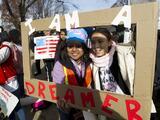 Coalición lanza campaña 'Ready to Stay' para ayudar a inmigrantes a obtener beneficios