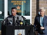 """Autoridades confirman que la pistola que Alec Baldwin disparó en el set de filmación tenía una """"bala real"""""""