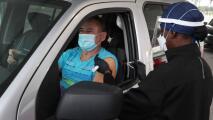 Coronavirus: Delta sigue ganando terreno y vuelven las largas filas a centros de vacunación en Miami-Dade